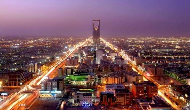 Saudi Arabia and Egypt sign historic electricity exchange agreement