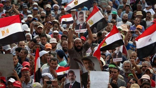 Saudi Arabia and UAE promise Egypt billions in aid