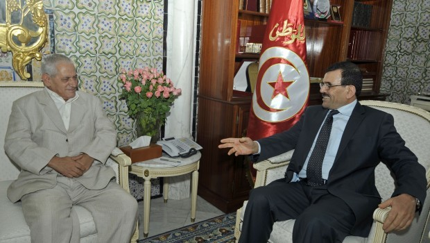 Tunisia: Government and opposition talk to defuse crisis