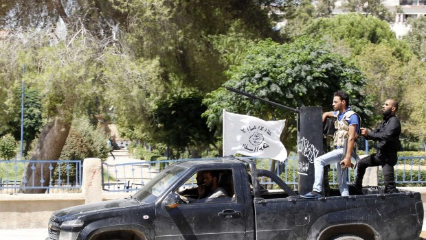 Syria: Islamist infighting sweeps Raqqa