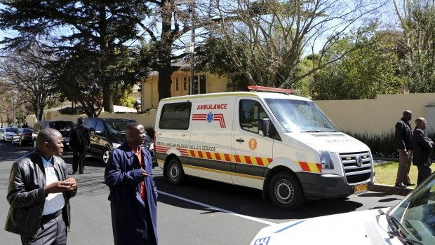South Africa's Mandela back home after long hospital stay