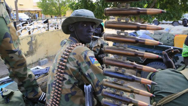 South Sudan rebels agree to talks as fighting rages