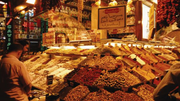 Egyptian 'Spice Bazaar' heats up Istanbul