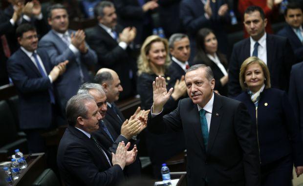 Erdoğan says Turkish corruption probe 'black stain' on democracy