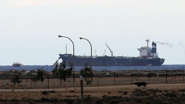 Libya PM faces confidence vote as oil port standoff escalates