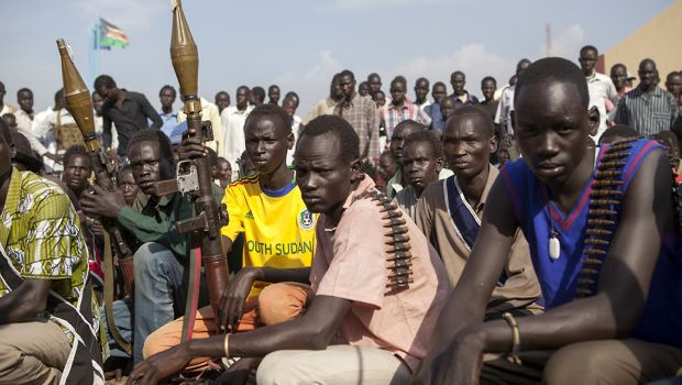 South Sudan rebels say oil hub Bentiu seized, tell foreign firms to go