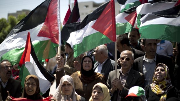 Abbas opens talks with Hamas on interim government