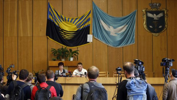 Rebels appeal to join Russia after east Ukraine vote