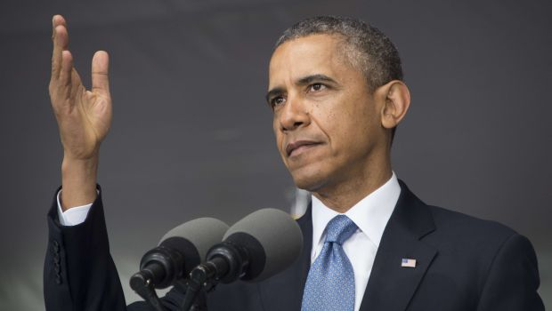 Obama fights foreign policy critics, pledges aid to Syria groups