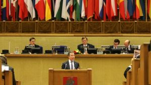 NATO Secretary General Anders Fogh Rasmussen (front) speaks during the Spring Session of the NATO Parliamentary Assembly (NATO PA) at the Seimas, the parliament of the Republic of Lithuania, in Vilnius on May 30, 2014. (AFP PHOTO / PETRAS MALUKAS)