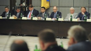 This handout picture taken and released by the Ukrainian prime-minister press-service on May 17, 2014 shows Ukrainian Prime Minister Arseniy Yatsenyuk (3R) next to former presidents Leonid Kravchuk (2ndR) and Leonid Kuchma (R) prior to their meeting in Kiev. (AFP PHOTO/ UKRAINIAN PRIME-MINISTER PRESS-SERVICE/ ANDREW KRAVCHENKO)