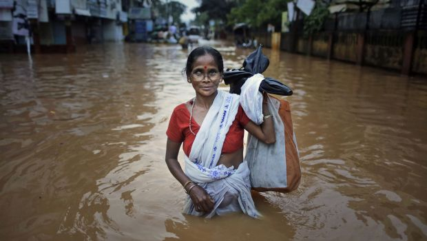 Monsoon floods kill 11 in India, maroon thousands