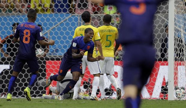 Brazil undone by poor defending, Dutch take third