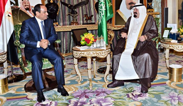 Saudi king discusses regional affairs, bilateral relations with Egyptian president