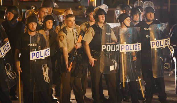Police move against protesters as calm dissolves in Ferguson, Missouri