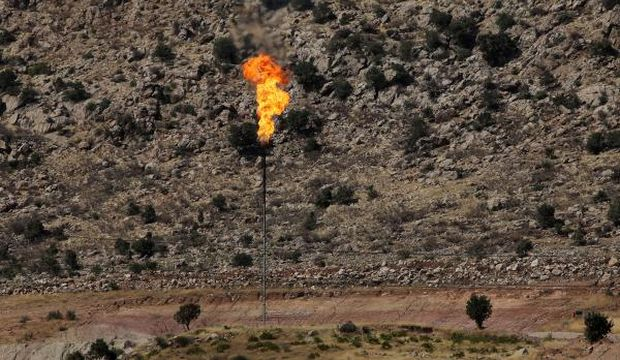 Oil hits 9-month low on ample supply despite wars