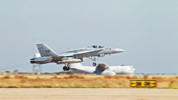 US warplanes strike ISIS artillery to protect Kurds