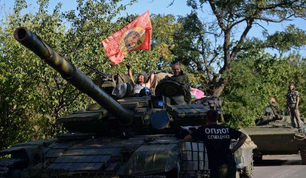 Fighting goes on near big Ukrainian city, Poroshenko slams Russia