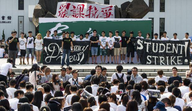 Hong Kong students begin class boycott to demand greater democracy