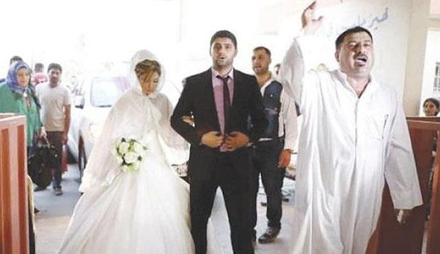 Displaced Iraqis tie the knot far from home