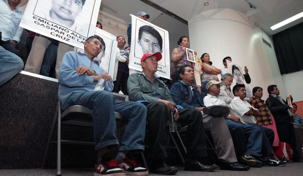 Fathers of missing Mexican students blast president after meeting