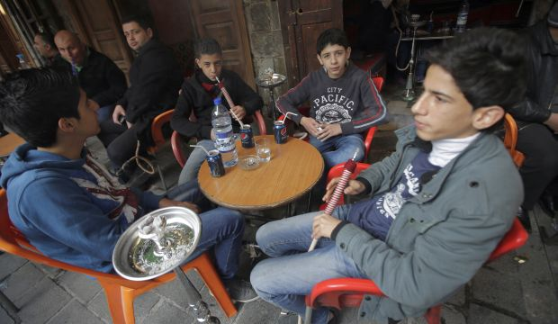 Damascus coffeehouses receive women's touch