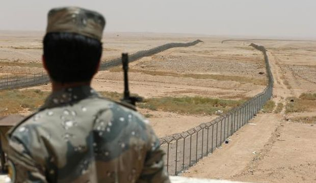 Two Saudi guards killed in attack on Iraq frontier: Saudi ministry