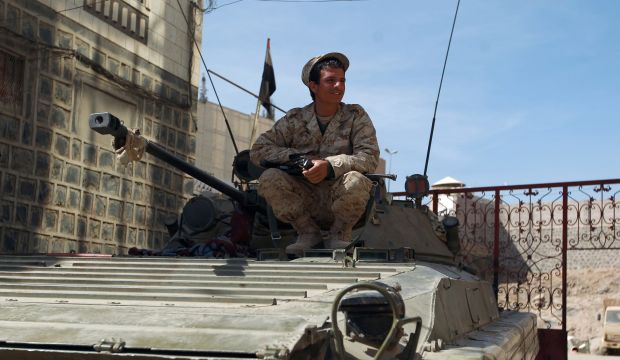 Yemen: Houthis press advance after Hadi resignation