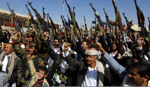 Yemen's Houthis, Saleh strike power-sharing deal: source