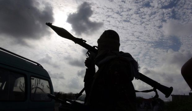 Plane attacks Hadi's Aden base in deepening Yemen turmoil