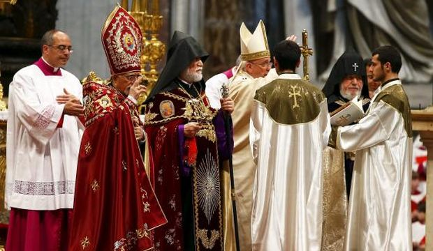 Pope calls Armenian slaughter '1st genocide of 20th century'