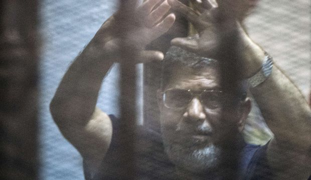 Court sentences Egypt's ousted president to death