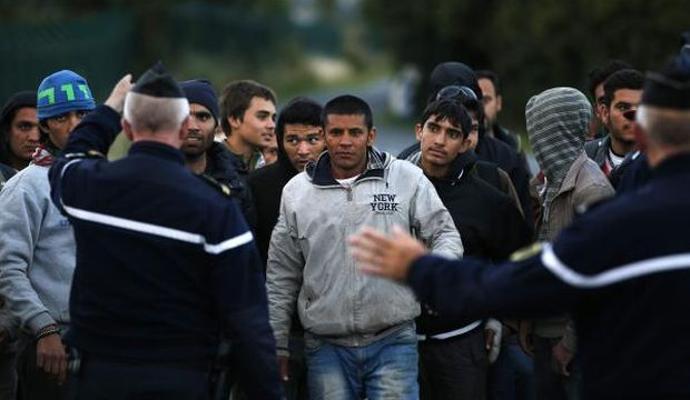 Cameron under fire for remarks on migrants