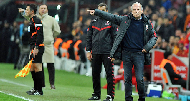 Denizli Expected to Quit as Galatasaray Coach after Three Months with the Club