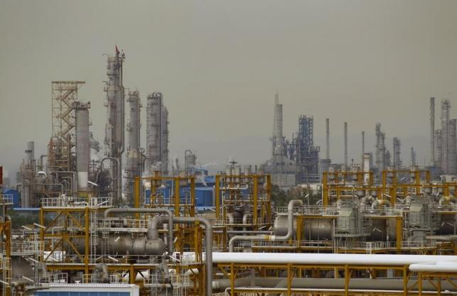 Cancellation of Iran Oil Contracts' Presentation Indicates Infighting