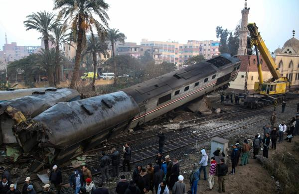 70 Injured in a Train Crash South of Cairo and the Prime Minister Orders an Urgent Investigation