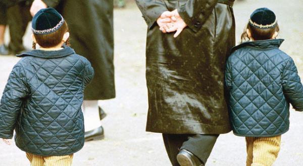 Jewish Schools in Britain that Erased Images of Females in Books Are Criticised