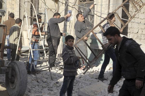 Half a Million Civilians under Blockade in Syria, Organizations Speak of Larger Figures
