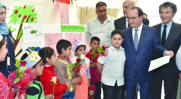 Hollande Ends his Visit to Lebanon in Syrian Refugee Camp Eastern Beqaa