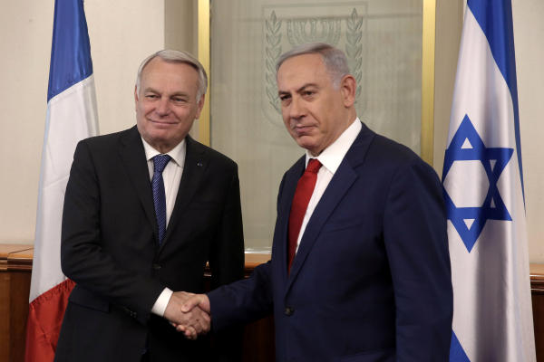 Netanyahu Tells France's Ayrault He Still Opposes Peace Conference