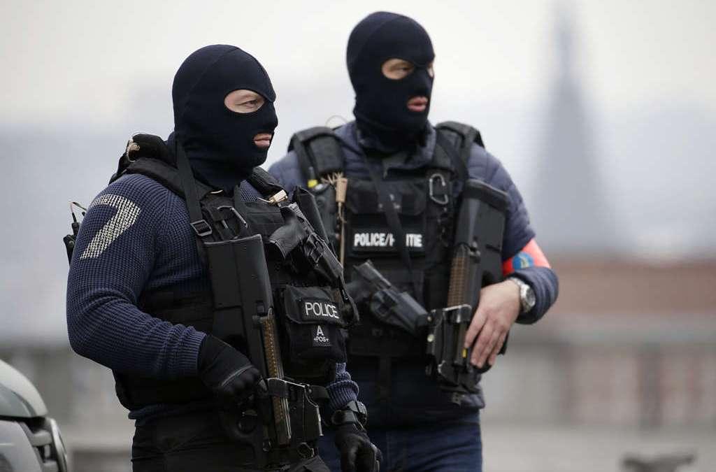 Belgian Police Arrest 12 in Dozens of Anti-terror Raids
