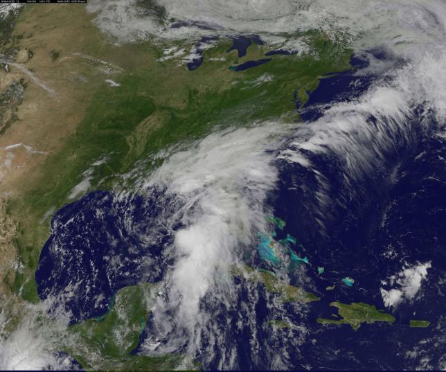 Strong Wind, Heavy Rain to Douse Southeast U.S. as Storm Moves into Atlantic