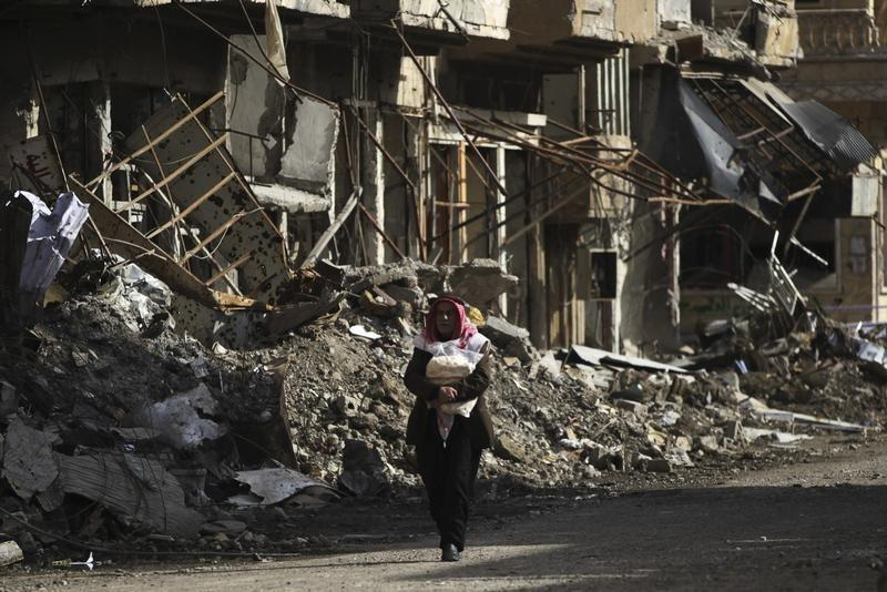 Syrian, Russian Air Raid Hit Market in East, Kill 17