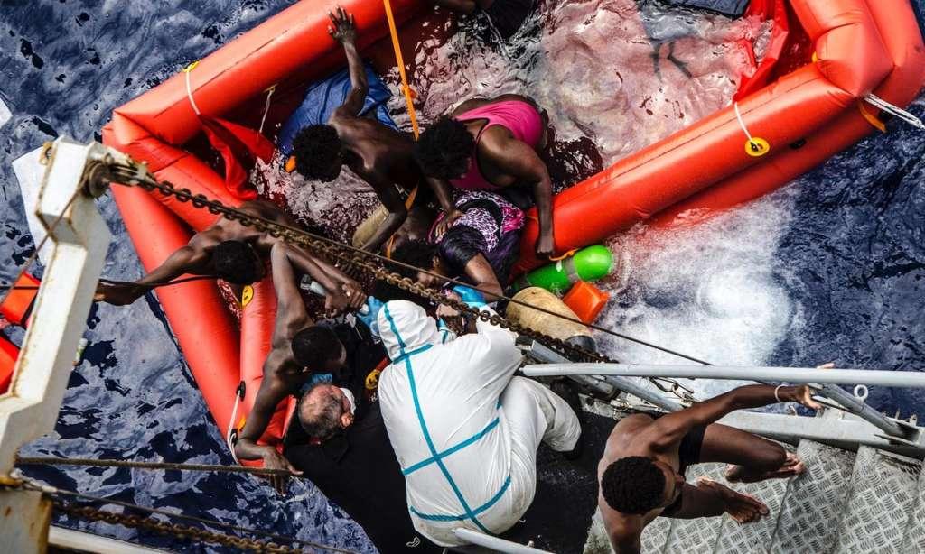 Rescuers Save 366 Migrants in Mediterranean, 20 Reported Dead