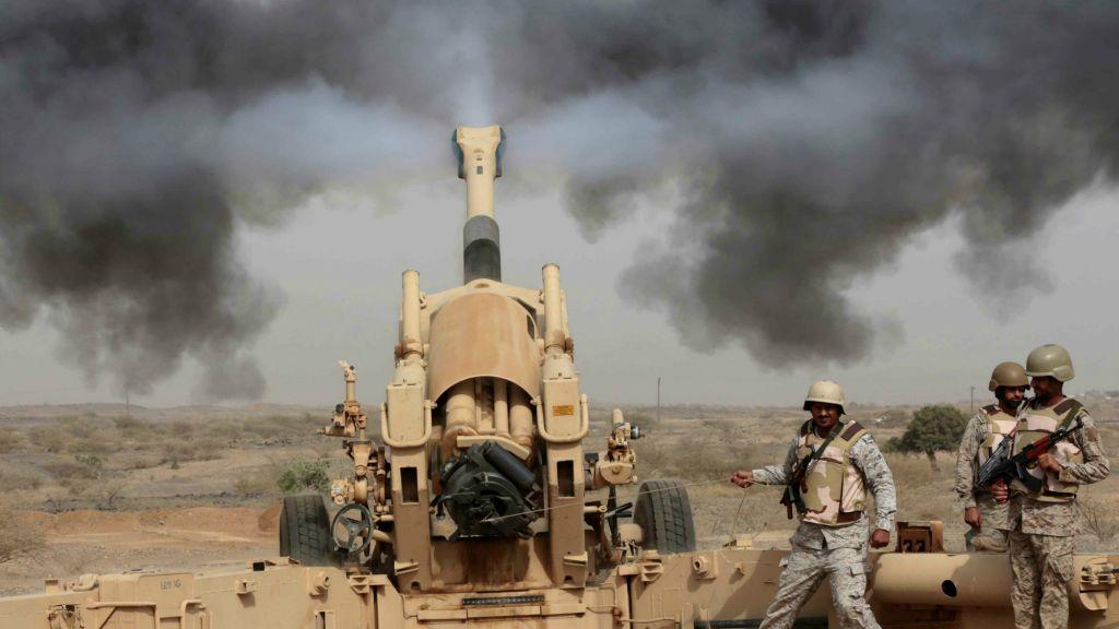 Coalition Warplanes Strike Houthi Fighters near Saudi Border