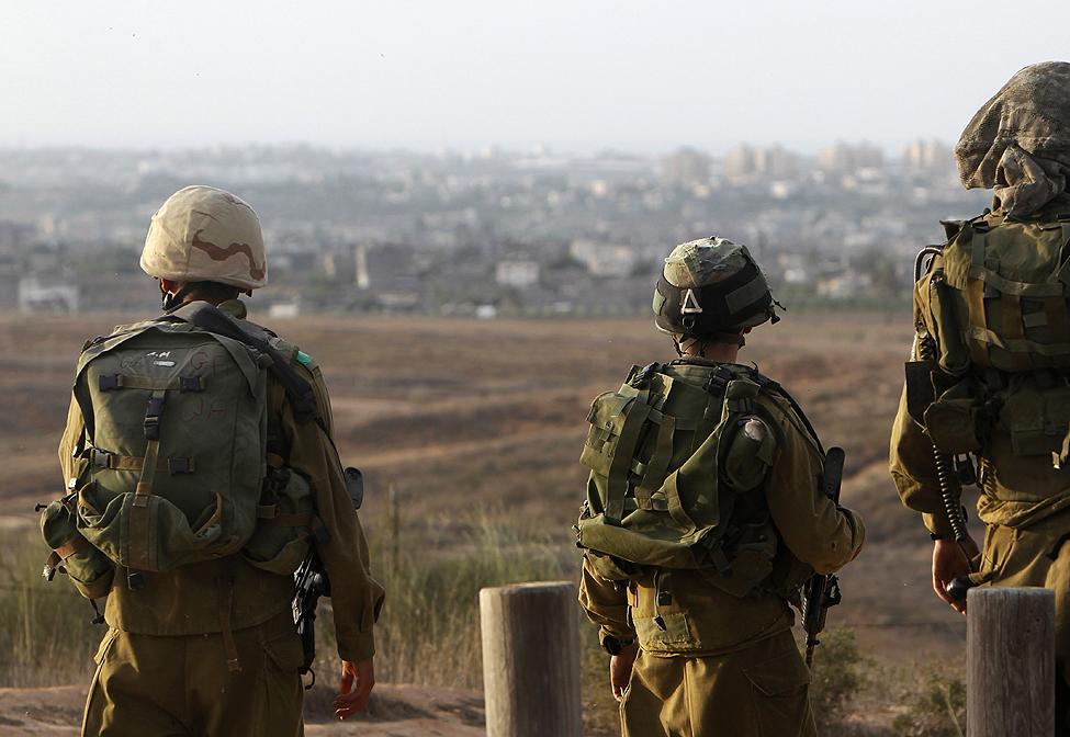 Palestinian Killed in West Bank Raid