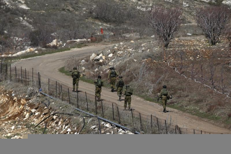 Israel Attacks Syrian Army targets after Stray Fire on Golan