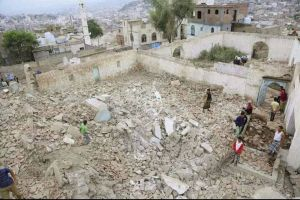 People gather among the rubble of a Sufi mosque that was blown up in an attack in the southwestern city of Taiz, Yemen, Saurday. There were no casualties and no groups have claimed responsibility for the attack, according to local media. | REUTERS