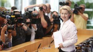German Defence Minister Ursula von der Leyen attends a news conference in Berlin, Germany, July 13, 2016. REUTERS, Hannibal Hanschke