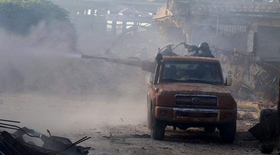 Battle to Break Aleppo's Siege Advances Slowly, Russia Supports Regime with 75 Raids